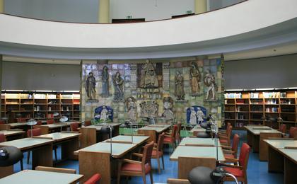 Sala de Leitura - Painel cerâmico da autoria de Jorge Barradas