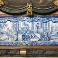 Painel de azulejos da capela | <i>Tile panel in the chapel</i>